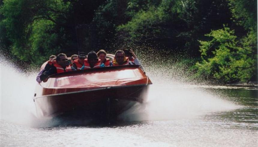 jet-boating-tanagarakau